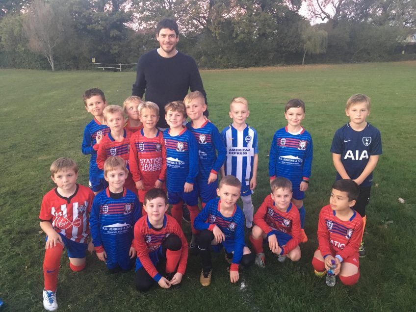 Brighton legend joins HJFC U8's for training